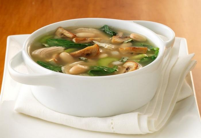 Постный суп с фасолью и грибами