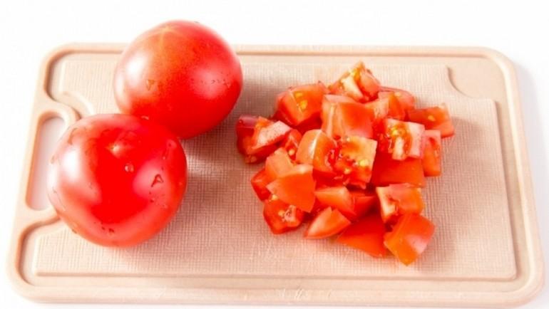 Как нарезать помидоры для геческого салата