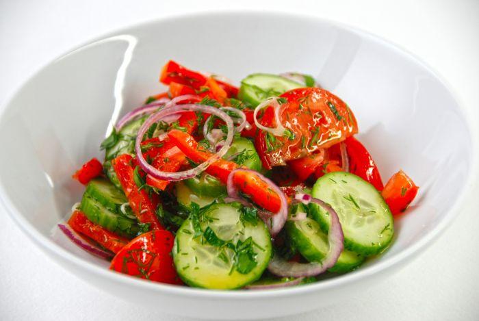 салаты из сырых овощей