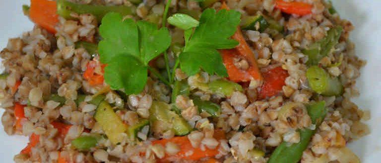 Овощное рагу с гречкой