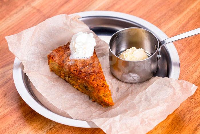 Постный морковный пирог в мультиварке