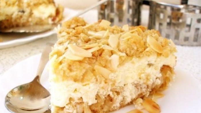 Овсяный пирог с творогом и миндальной крошкой