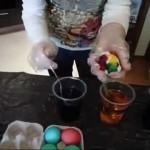 3 оригинальных способа покрасить яйца к Пасхе