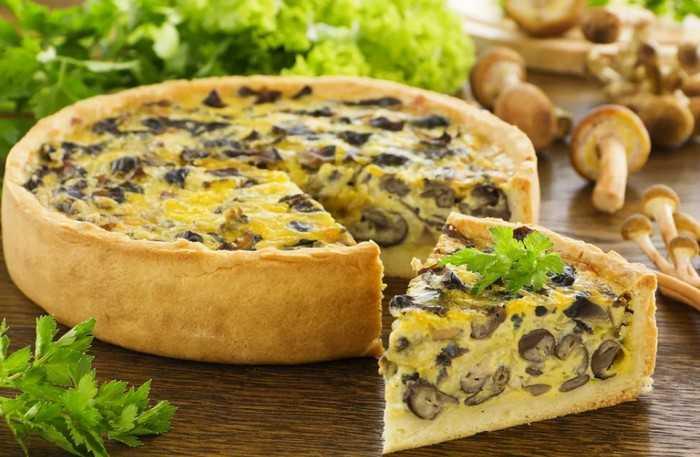 Картофельный открытый пирог с грибами