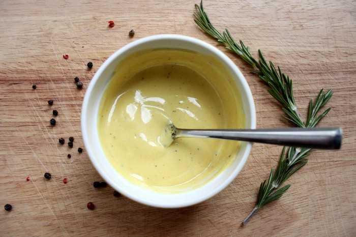 Сметанно-яичный соус