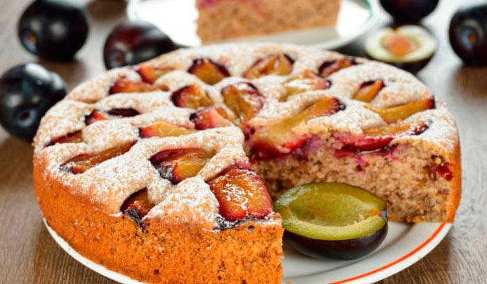 Пирог со сливами от Юлии Высоцкой фото
