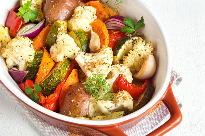 Овощи запеченные в духовке фото