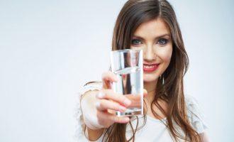 Для чего нужно утром пить воду