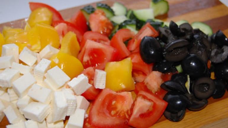 Как приготовить греческий салат с помидорами