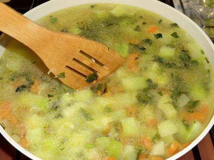 Диетический легкий суп