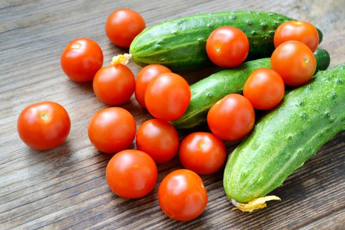 Разгрузочный день на огурцах и помидорах