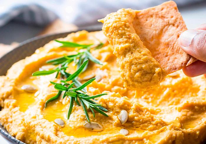 Как готовят хумус из нута и фасоли