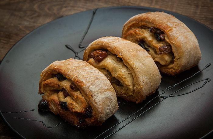 Сладкое печенье изорехов без муки с сухофруктами