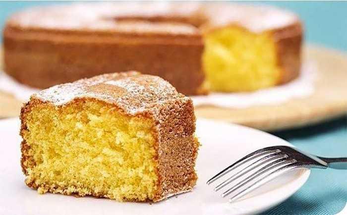 Творожный кекс с манкой и яблоками