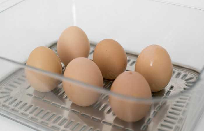 Сколько хранится яйцо всмятку