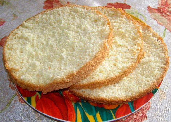 Белый бисквит на кипятке