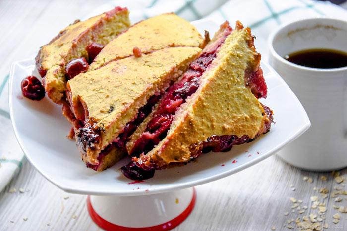 Французский вишневый пирог с безе