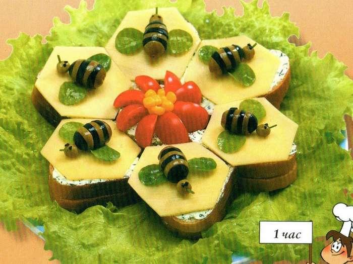 Соты и пчелки