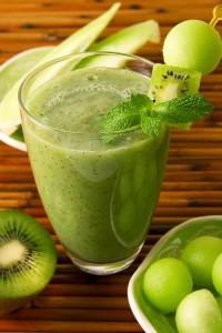 Зеленый коктейль с киви
