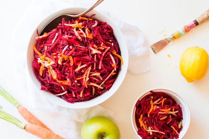Как приготовить салат из сырой свеклы