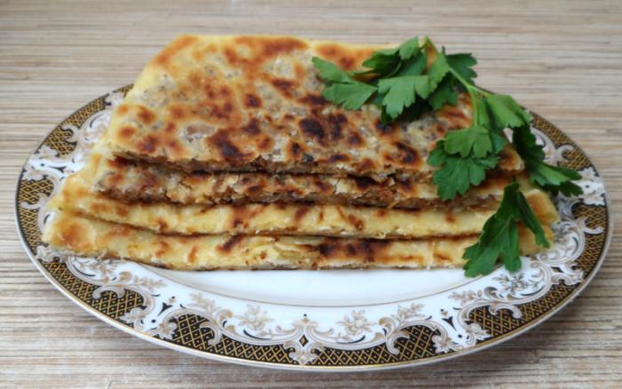 Турецкие лепешки с сыром и зеленью