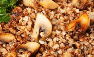 как приготовить гречку с грибами и луком