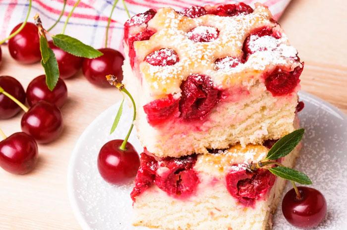 Вишневый пирог с миндалем «Венский»