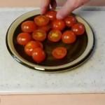 Как быстро и аккуратно нарезать помидоры
