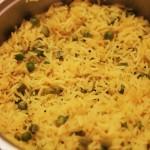 Как приготовить вкусный рассыпчатый рис / Лимонный рис с зеленым горошком — рецепт.