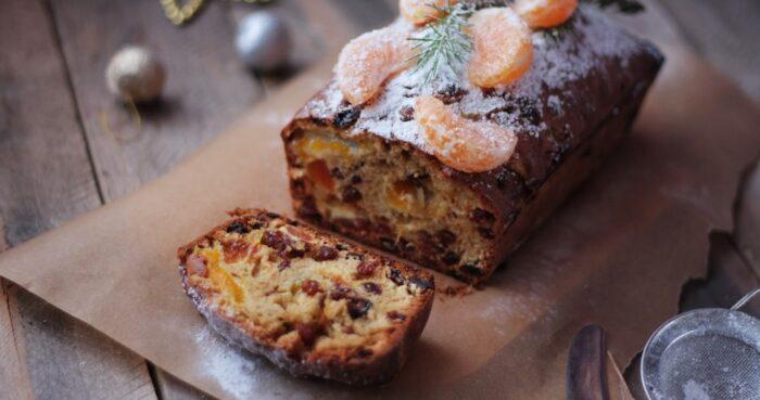 Открытый пирог с сухофруктами и орехами