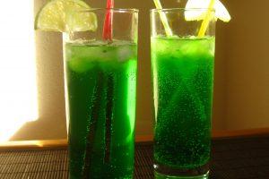Коктейль с лимонадом «Тархун»— «Зелёный джин»