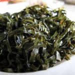 Легки и диетический салат с рисом и морской капустой