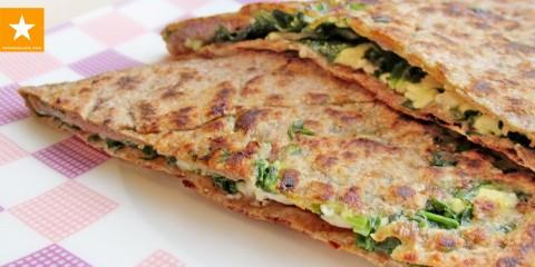 Лепешка со шпинатом и сыром — как вкусно приготовить полезную зелень — YouTube