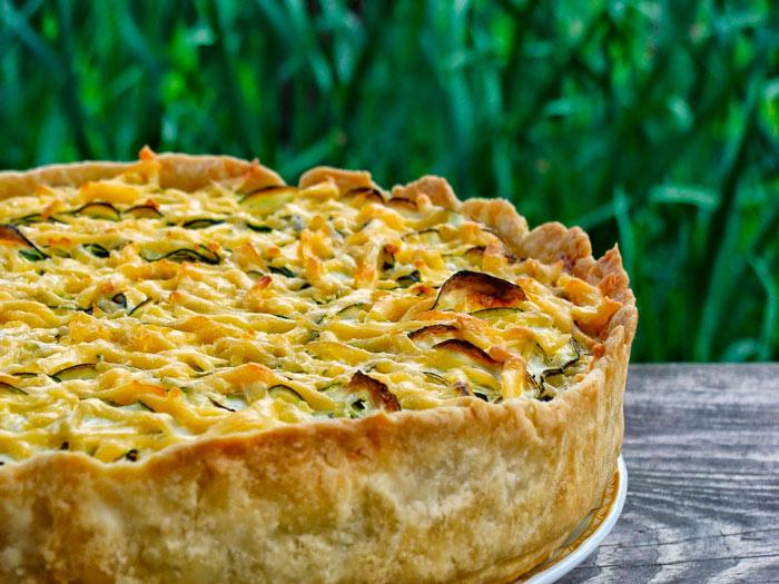 Заливной пирог с кабачками и картошкой