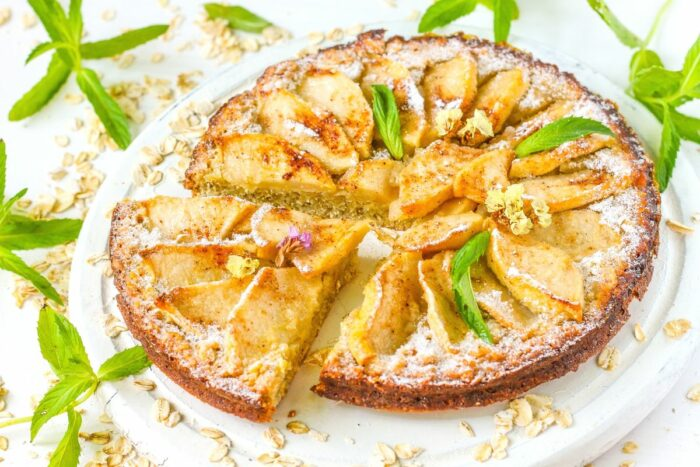 Пирог из овсянки с яблоком