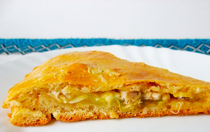 Заливной пирог с кабачками и капустой