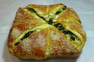 Пирог со шпинатом и брынзой в духовке