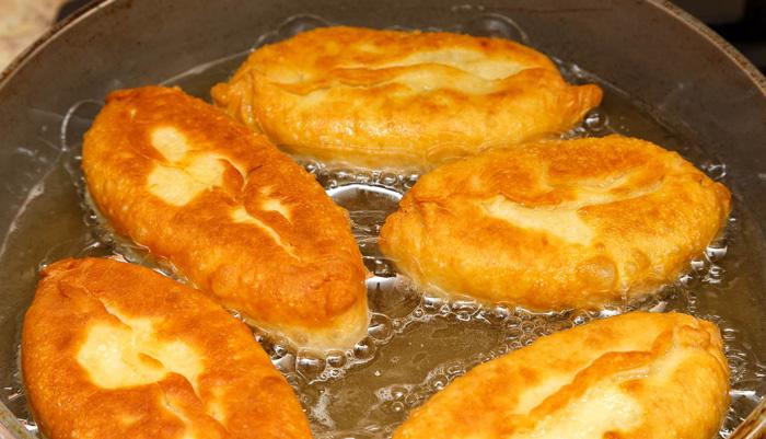 Пирожки жареные на сковороде