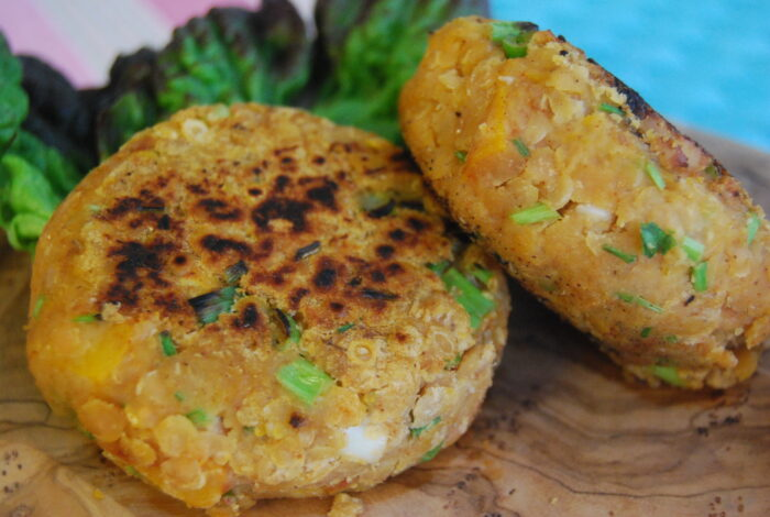 Котлеты чечевичные с добавлением картофеля и грибов