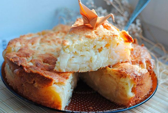 Пирог с творогом в мультиварке Творожно-яблочная шарлотка