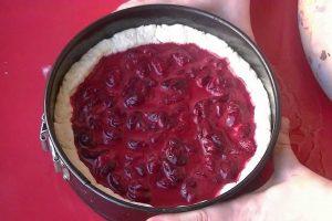 Рецепт творожного пирога с вишней от бабы Лизы