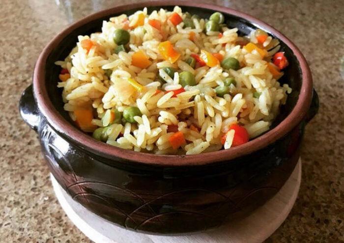 Рис в горшочке с овощами