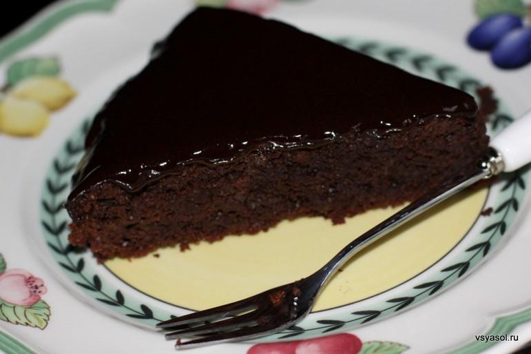 Свекольный торт с шоколадной глазурью