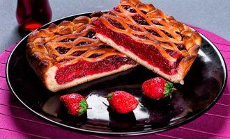 Простой ягодный пирог