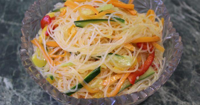 с корейской морковью и кукурузой