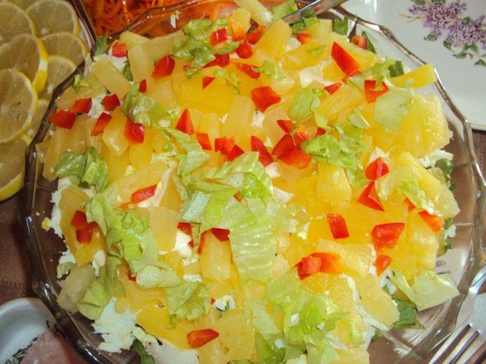 Шикарный салат с ананасами