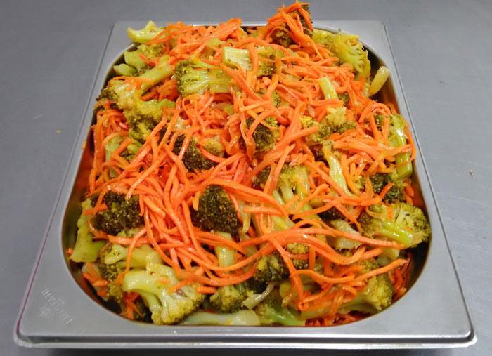 Салат из брокколи на зиму по-корейски