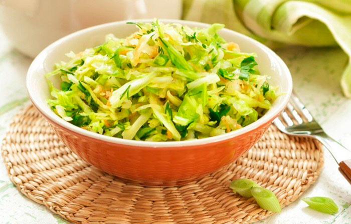 Полезный салат из капусты