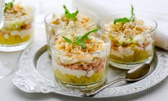 Слоеные вегетарианские салаты