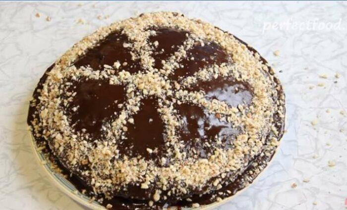 Шоколадный торт без яиц и молока